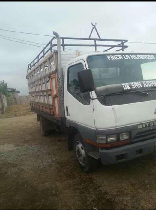 Vendo Camion Mitsubishi