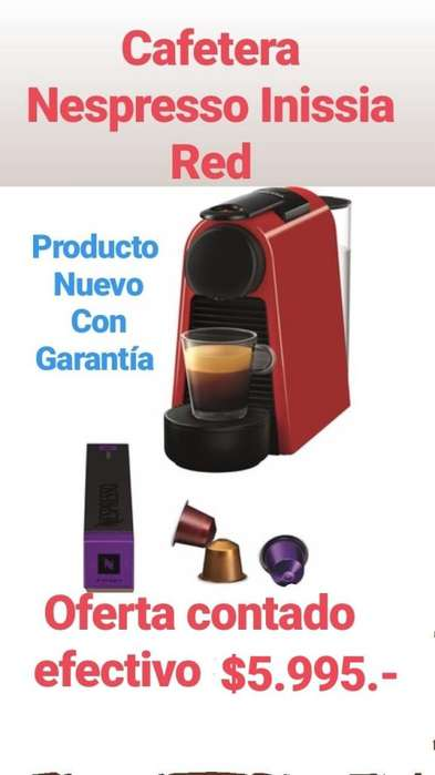 Cafetera Nespresso Essenza Mini Red / mini green