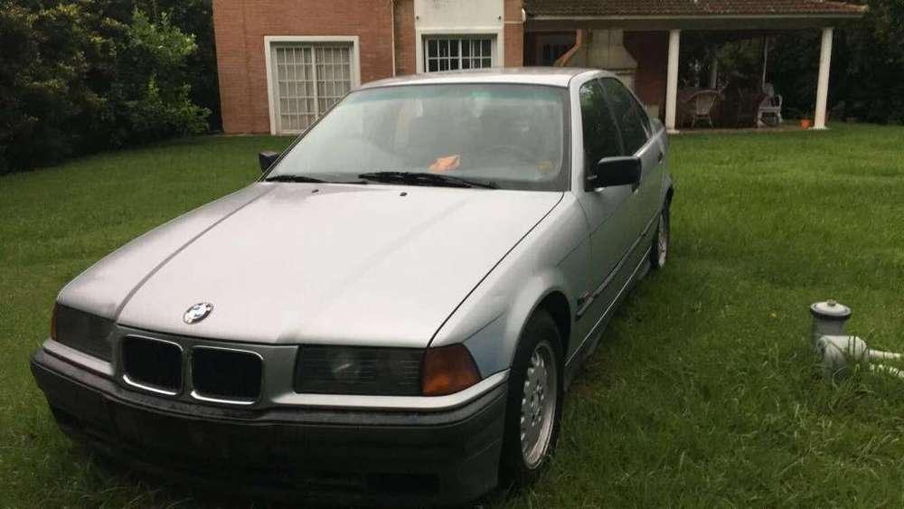 BMW M3 1994 - 100000 km