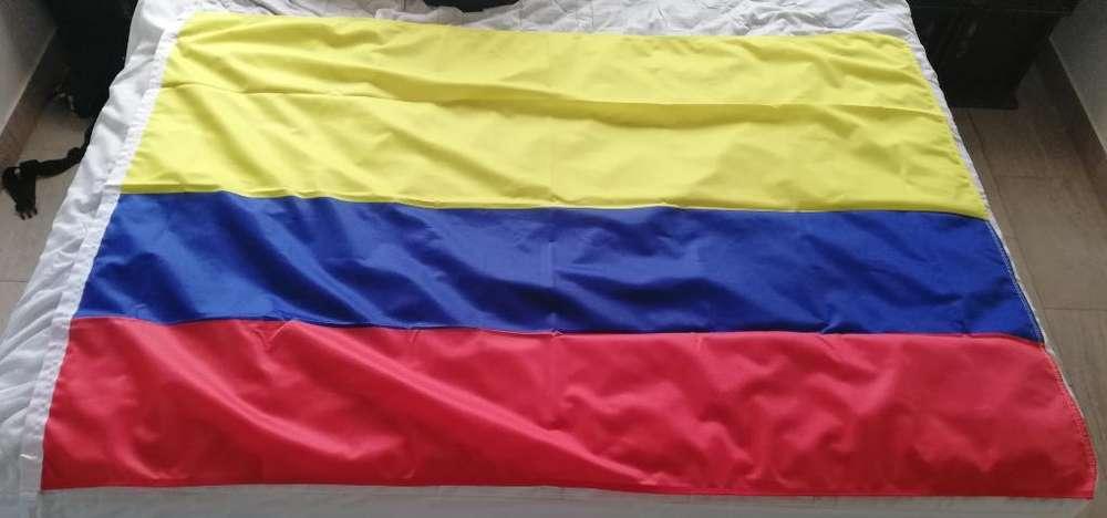 Bandera de Colombia 90x130 Cm Poliester