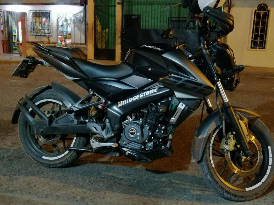 Moto Pulzar Ns 200