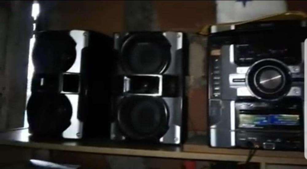 Equipo de Musica Sony Genezi