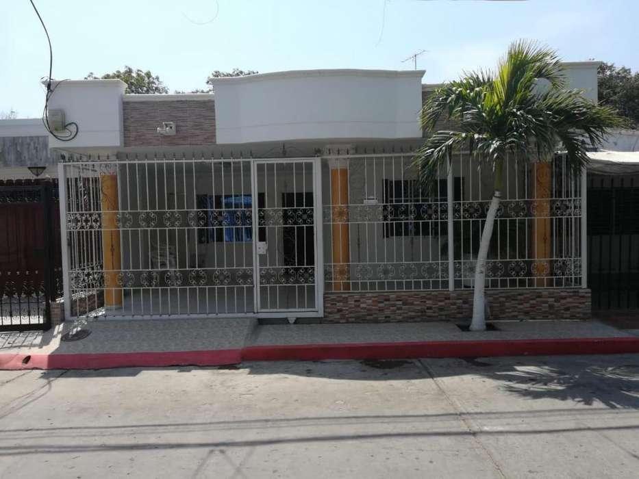 Casa de 4 alcobas en venta en Santa Marta - wasi_1110772