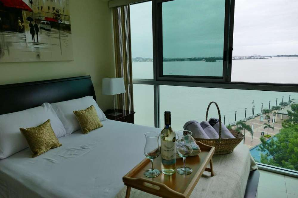 Suites Puerto Santa Ana Edificios Torres Bellini y Riverfront