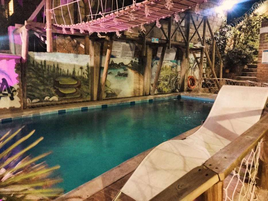 Se vende Hotel/Hostal de <strong>lujo</strong> bien ubicado con piscina a puerta cerrada. 600m2