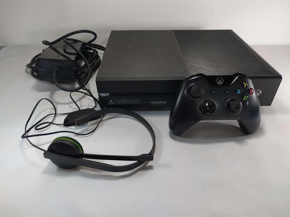 XBOX ONE - Con FIFA19 y GTA V