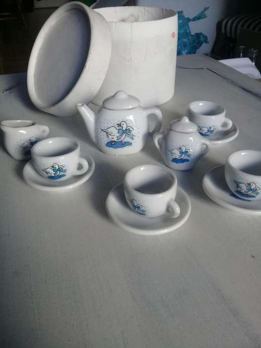Antiguo Juego de Té de Juguete
