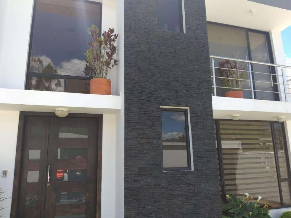 Hermosa <strong>casa</strong> de alquiler, renta sector Santa Rosa de Nayón, Norte de Quito