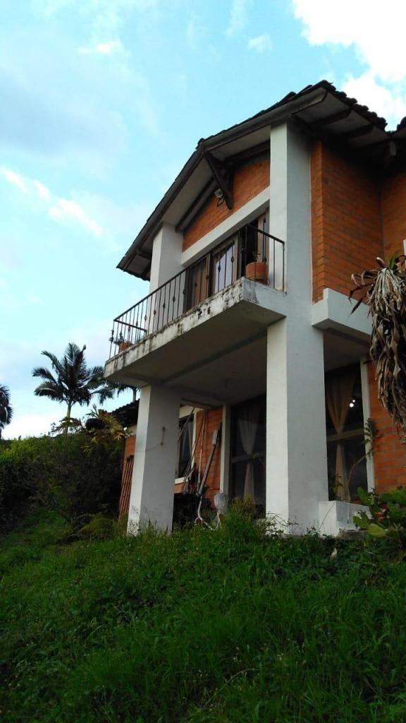 Venta casa campestre cerca a Pereira via combia - wasi_1574602