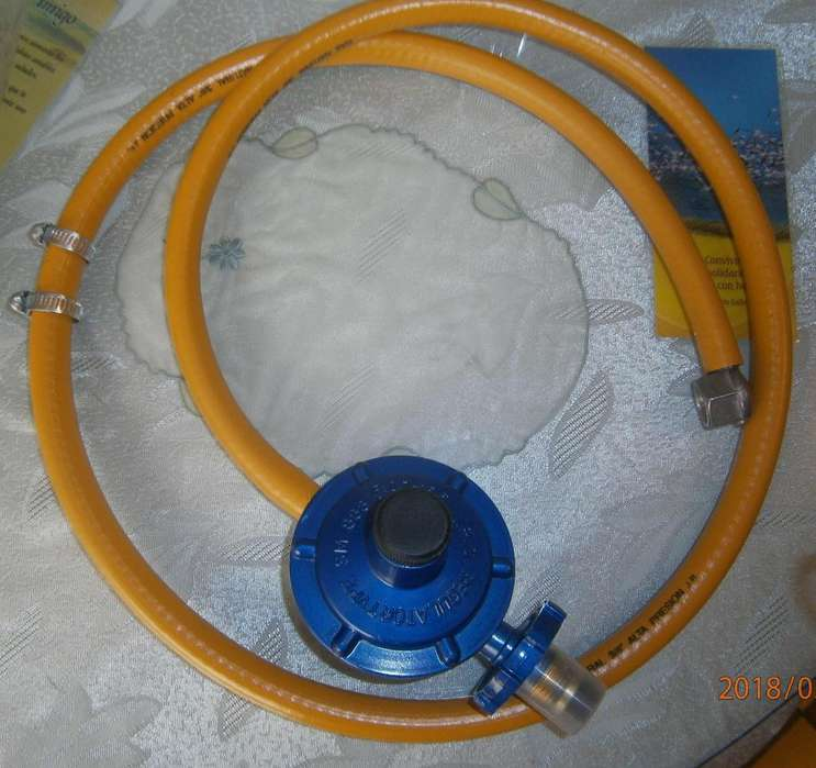 Regulador de gas a 10mil con manguera nuevos en 15mil ambos... Y Aguastop para baños y accesorio nuevos 15mil pesos