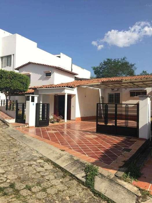Vendo Casa 4 habitaciones en Villa Camila en los Patios cod 1705
