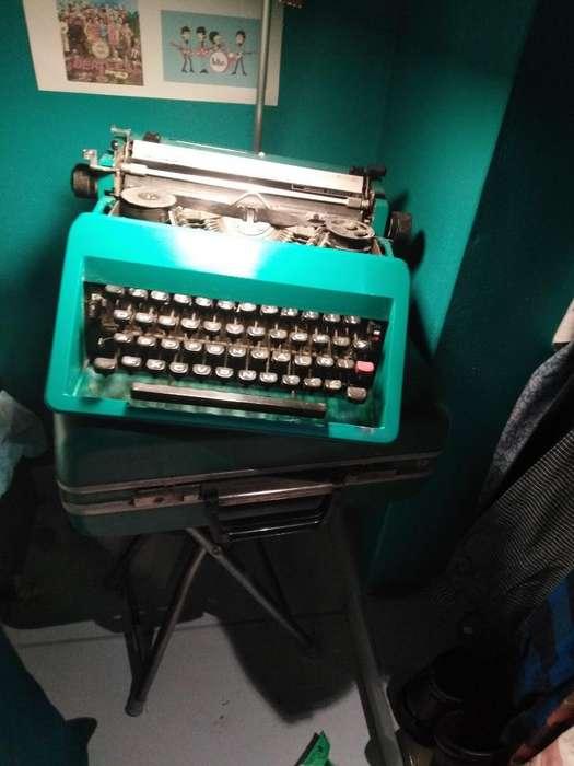 Maquina de Escribir Vintage Olivetti