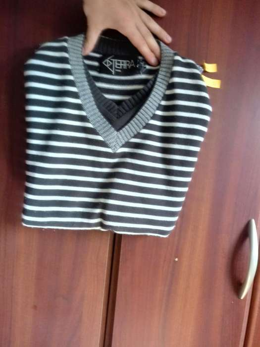Suéter a Rayas Usado