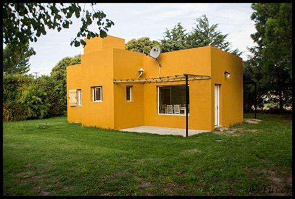 uo29 - Casa para 4 a 7 personas con cochera en Tres Arroyos