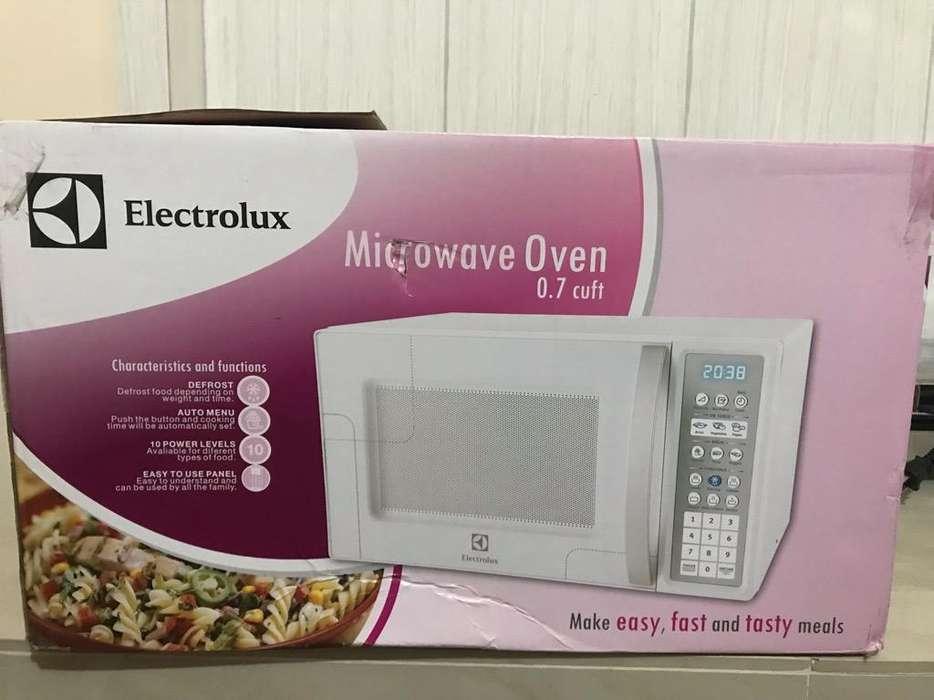 Horno de Microondas Electrolux