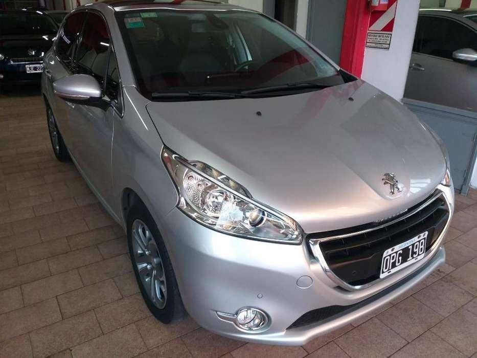 Peugeot 208 2014 - 117000 km