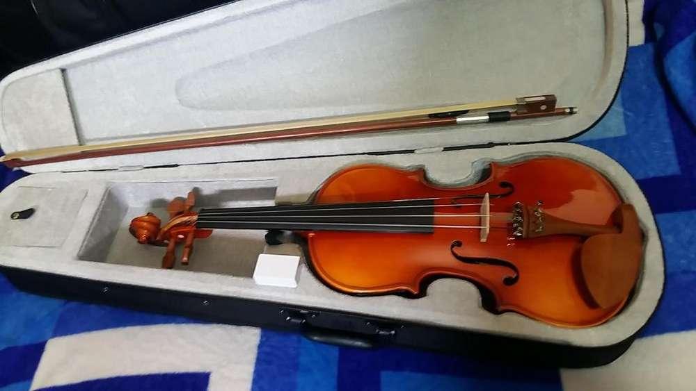 violin electroacustico, nuevecito, de remate, solo serios