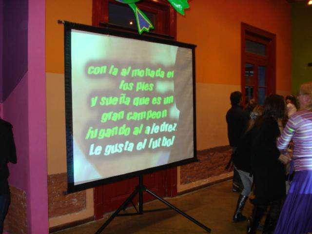 PANTALLA GIGANTE 84 IMPECABLE