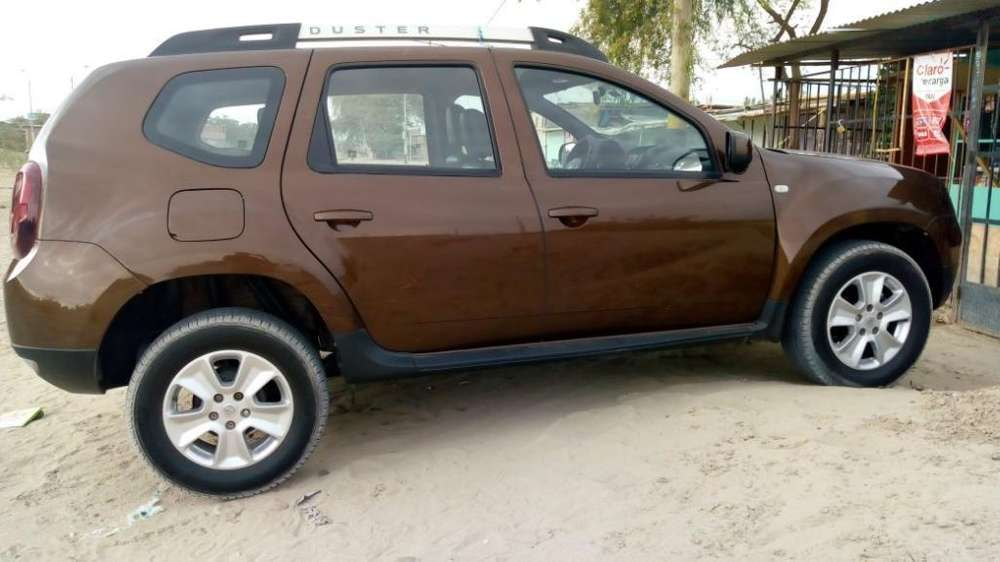 Renault Duster 2016 - 8000 km
