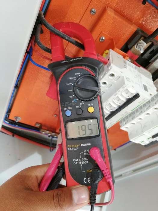 Técnico Electricista.