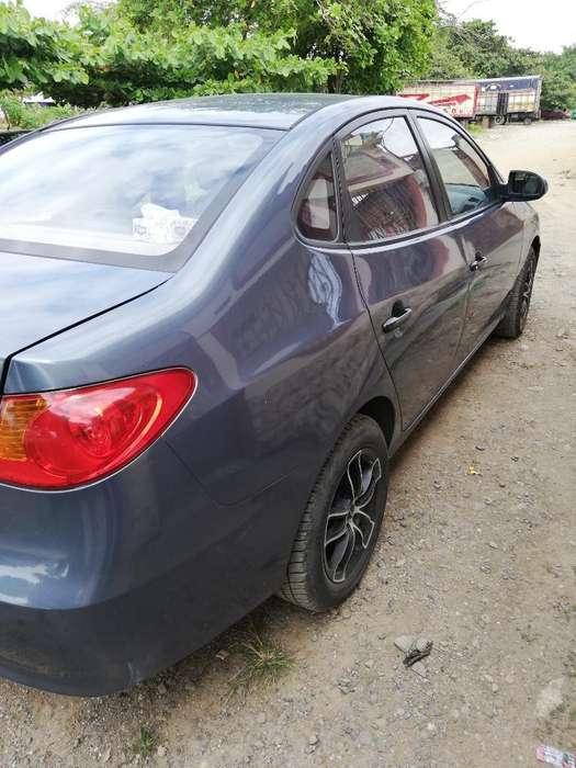 Hyundai Elantra 2010 - 175000 km