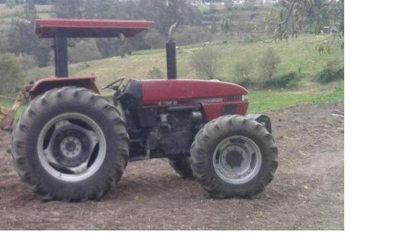 Case C100 4X4 AÑO 2002