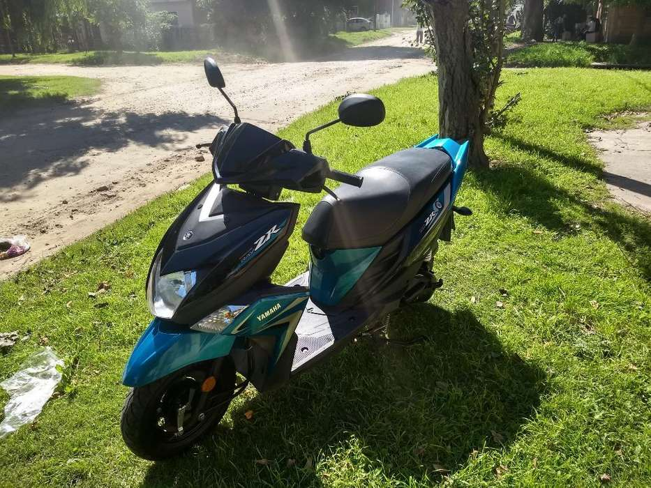 Vendo Yamaha Ray Zr Scooter