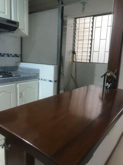 OPORTUNIDAD en venta en Las Cuadras apartamento por Hospital Infantil