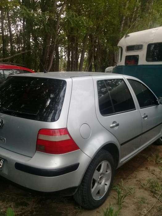 Volkswagen Golf 2005 - 136000 km