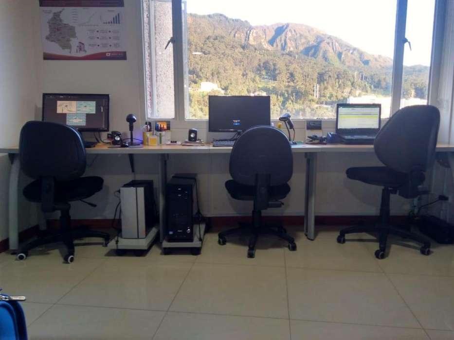 Puesto de trabajo recto para oficina de 3 Personas incluye 3 sillas y cajón