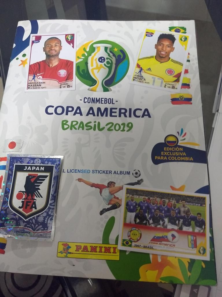 Vendo intercambio laminas del album panini copa Amrica Brasil 2019
