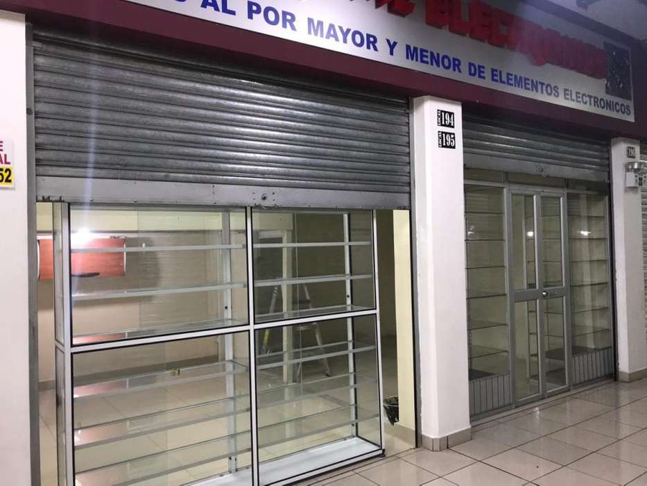 DOS LOCALES DE VENTA, CENTRO COMERCIAL QUITUS
