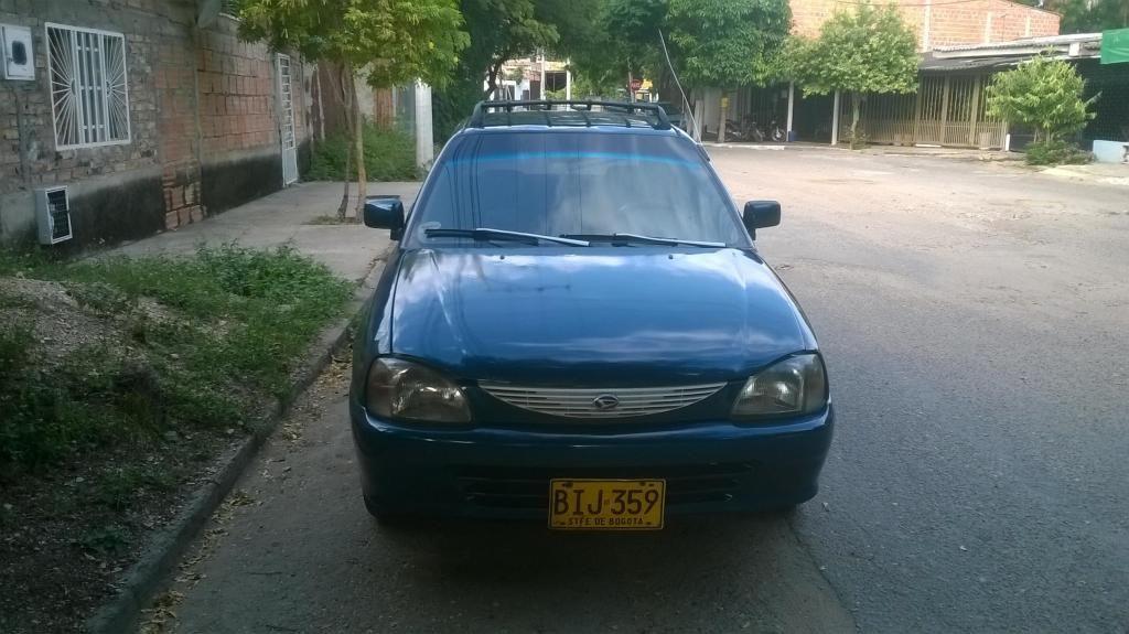 se vende carro dahaitsu charade particular 4 ptas precio negociables SOLO EFECTIVO