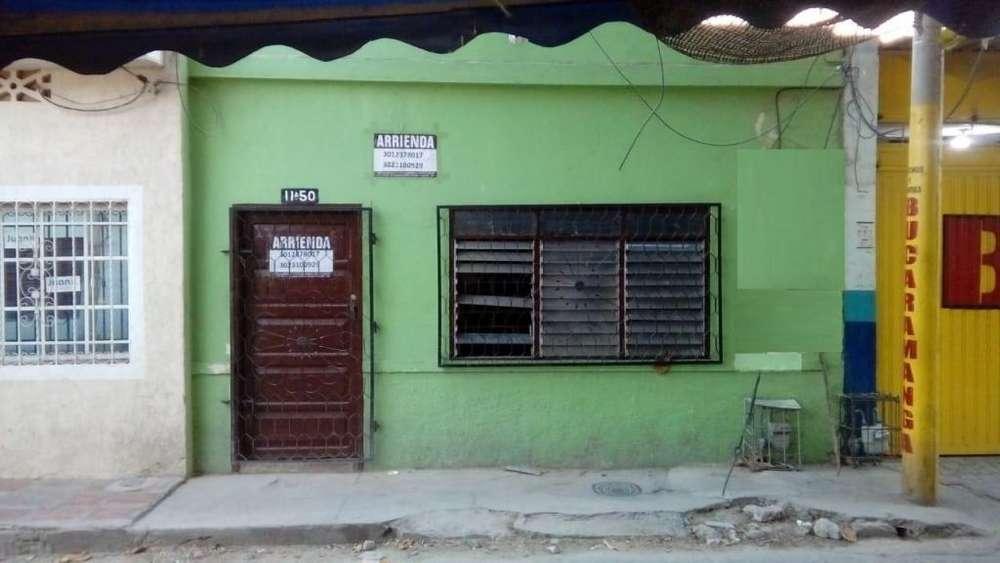 <strong>casa</strong> DE UN PISO CERCA AL MERCADO PUBLICO.-