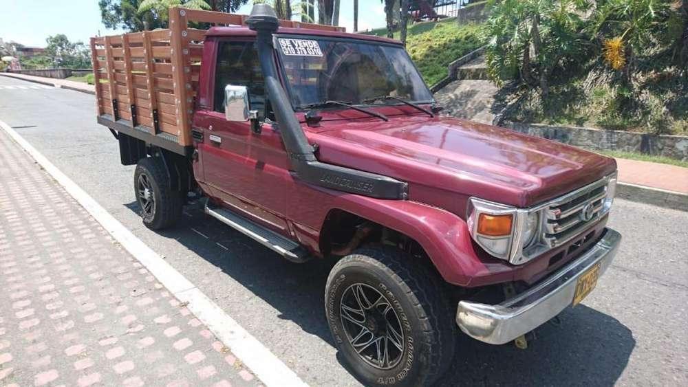 Toyota Land Cruiser 1995 - 220000 km