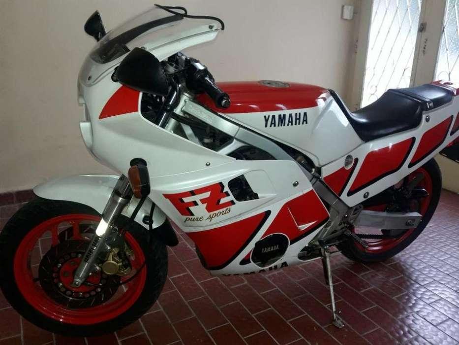 <strong>yamaha</strong> FZ 600 DE COLECCIÓN
