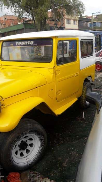 Toyota FJ Cruiser 1966 - 10000 km