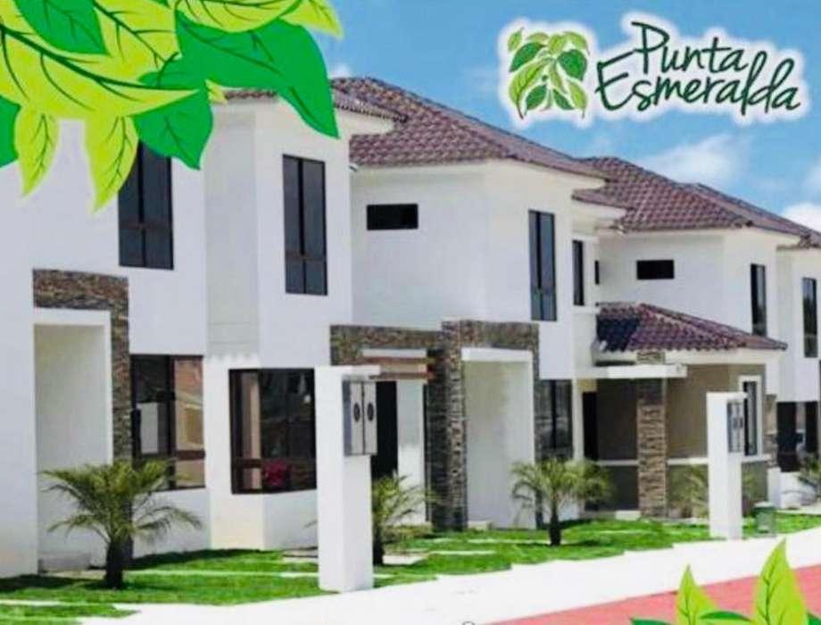 Venta de Casa en Urb. Punta Esmeralda, cerca de Carls Jr. Via a la Costa