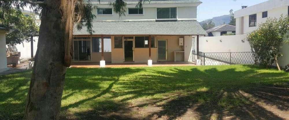 Alquiler Renta Casa Para Consultorios, Oficinas, Institución Valle de los Chillos San Rafael