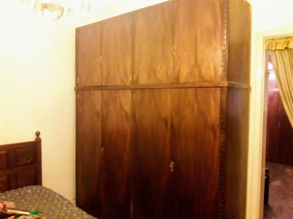 placard de madera de 2,50x2,15x59cm