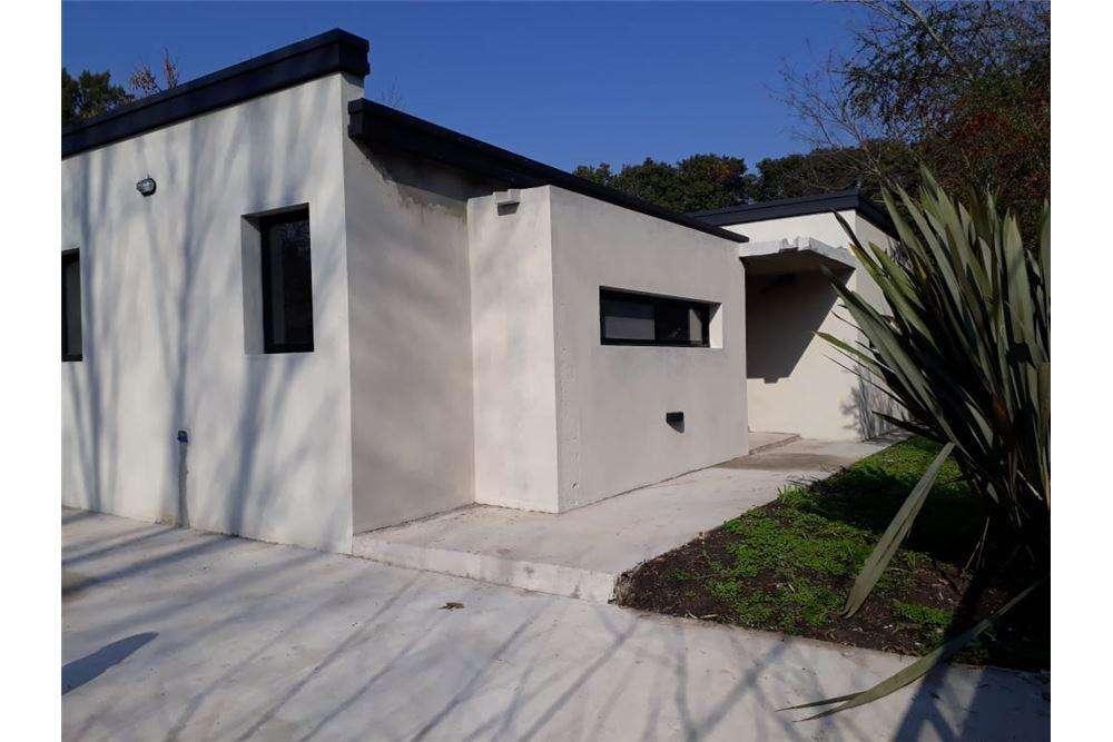 Casa en venta en City Bell - 3 dormitorios.