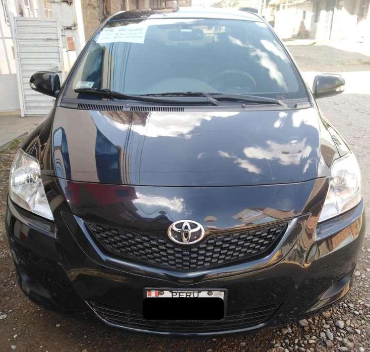 Toyota Yaris 2011 - 61000 km