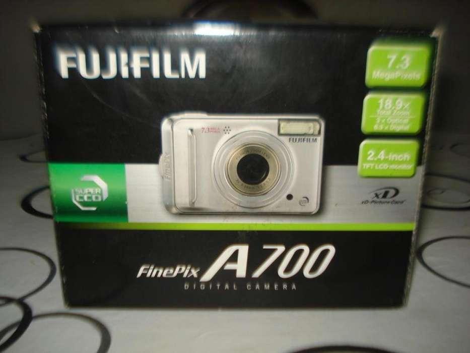 Camara De Fotos Digital Fujifilm A700 completa caja y accesorios originales