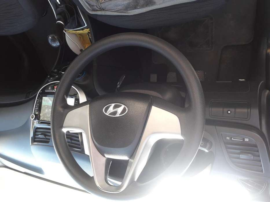 Hyundai Accent 2017 - 63200 km