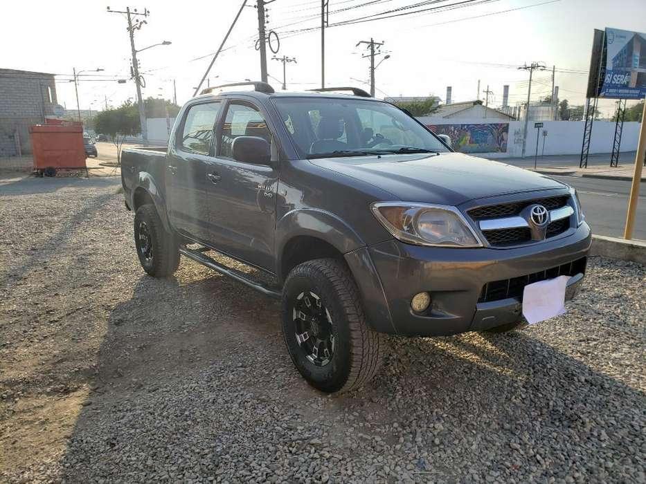 Toyota Hilux 2008 - 325000 km