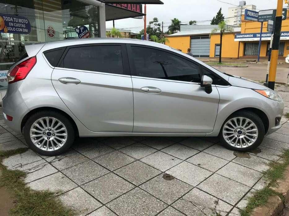 Ford Fiesta  2014 - 93000 km