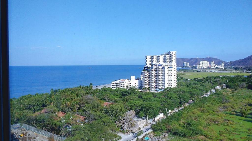 Amplio Apartamento en Sector Irotama, Vistas Panorámicas