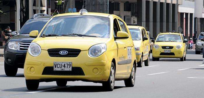 SOY TAXISTA BUSCO EMPLEO