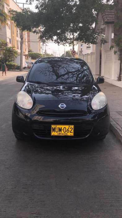 Nissan March 2013 - 68000 km