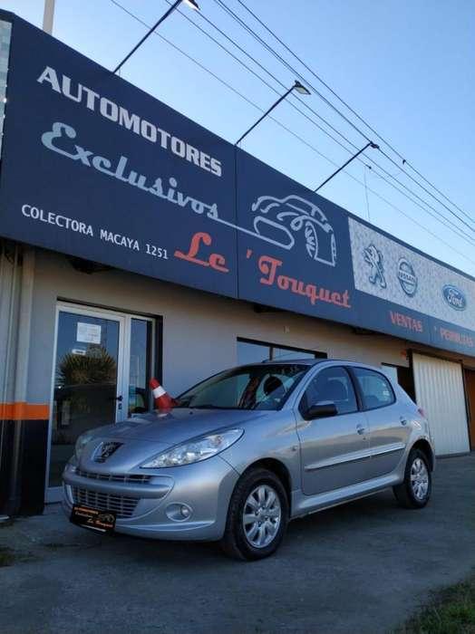 Peugeot 207 Compact 2011 - 107000 km